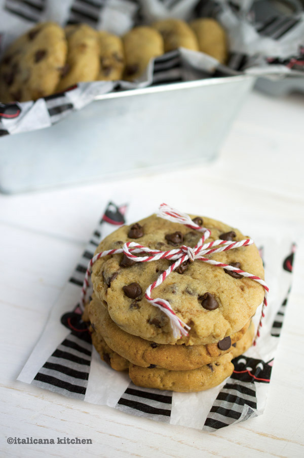 salted-dark-chocolate-chip-cookies-3a