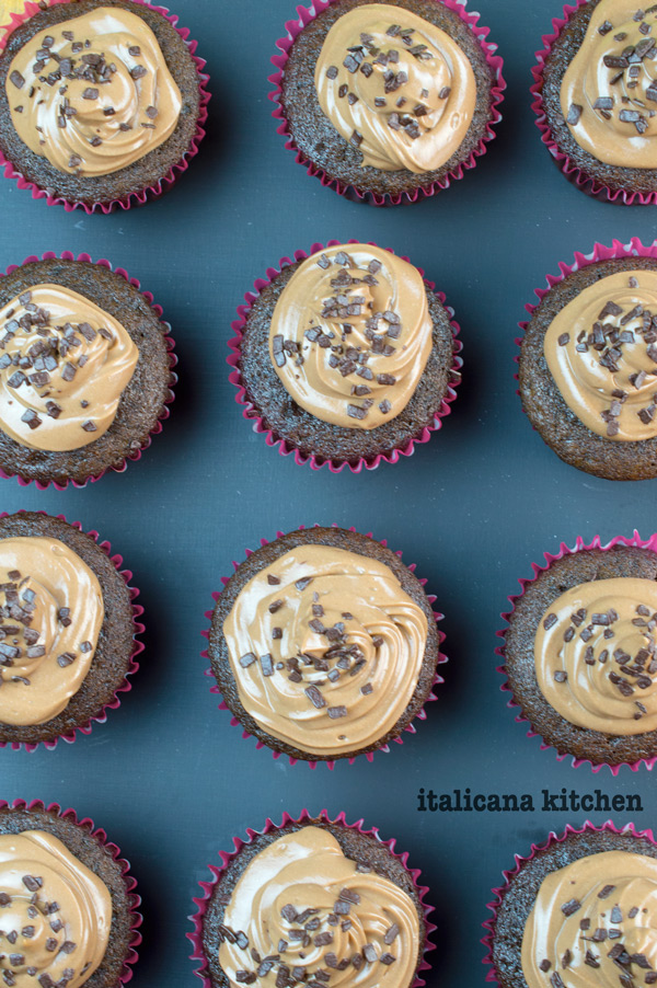 chocolate-cupcakes-with-nutella-cream-cheese-frosting-3