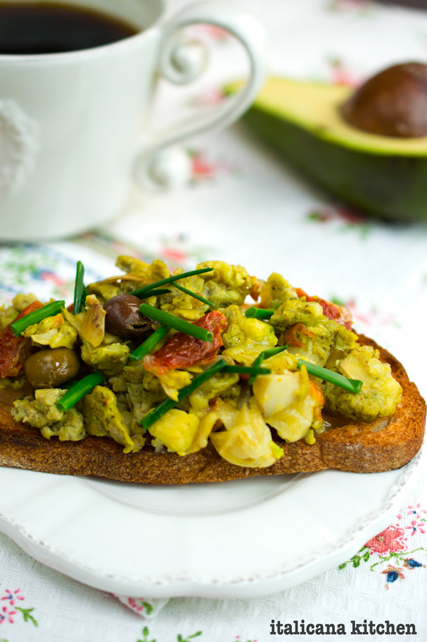 Easy-Gourmet-Scrambled-Eggs-3