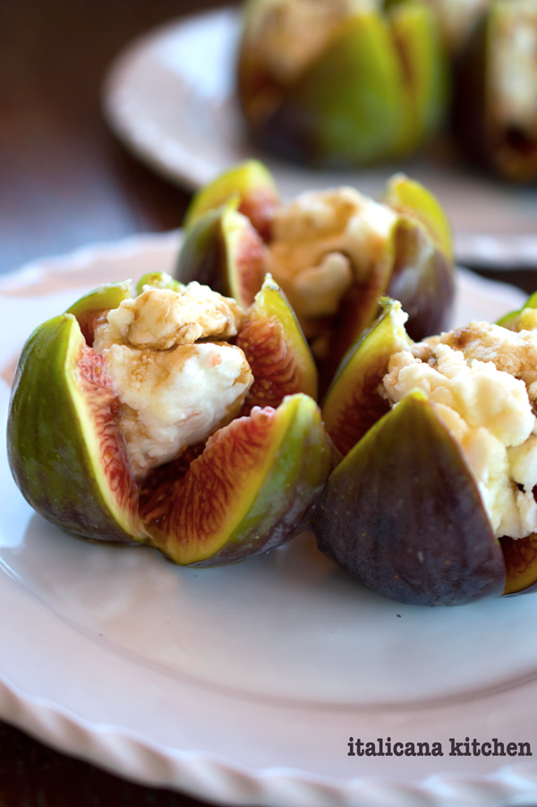Stuffed-Figs-with-Balsamic-Vinegar