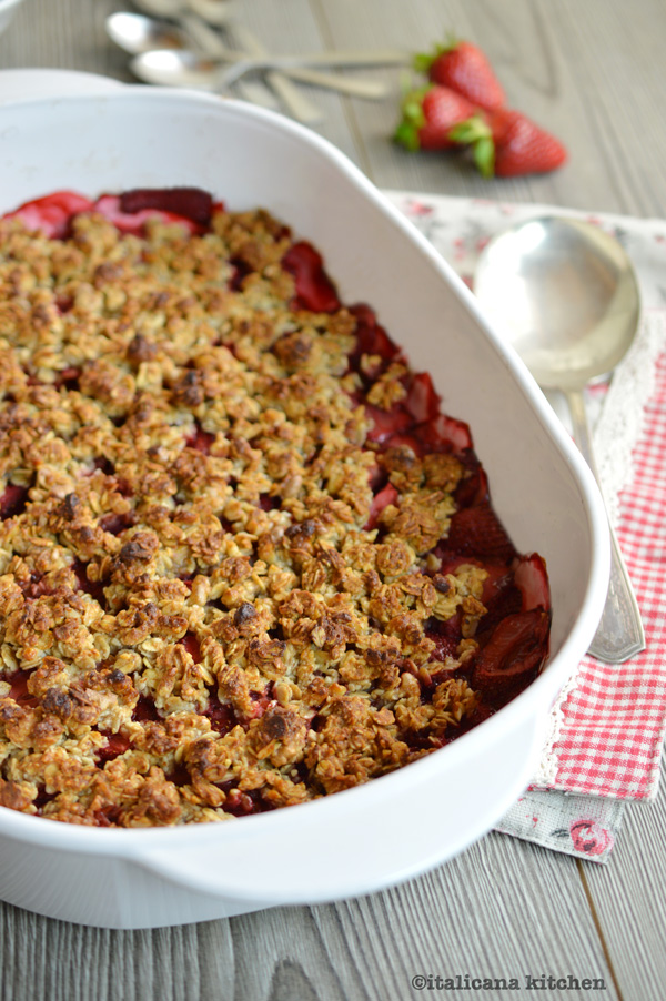 Strawberry-Crisp-with-Whipped-Vanilla-Ricotta