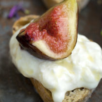 Fig, Stracciatella and Honey Bruschetta  - This quick vegetarian recipe is perfect as an easy appetizer or dessert. We LOVE how simple and delicious it is.  | italicanakitchen.com